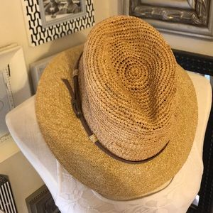 Banana Republic Accessories - Banana Republic summer straw fedora